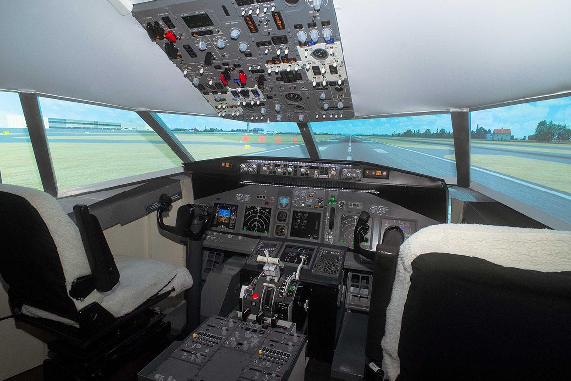 nobile-aviation-academy-flight-simulator-gallery1